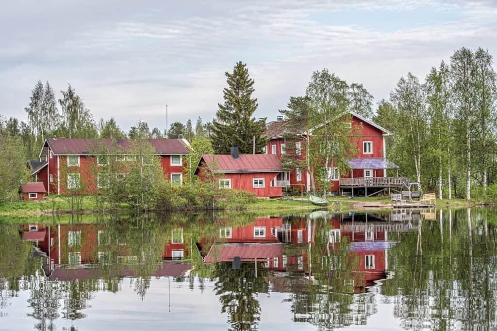 Arctic Guesthouse & Igloos - Gasthaus Ranua Ranuanjärven rannalla