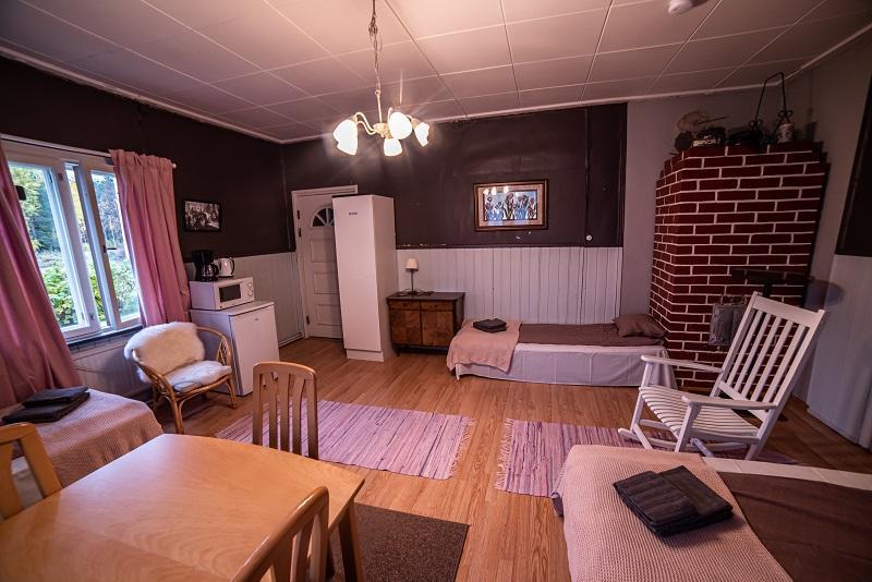 Neljän hengen huone Arctic Guesthouse & Igloosin majatalossa Ranualla