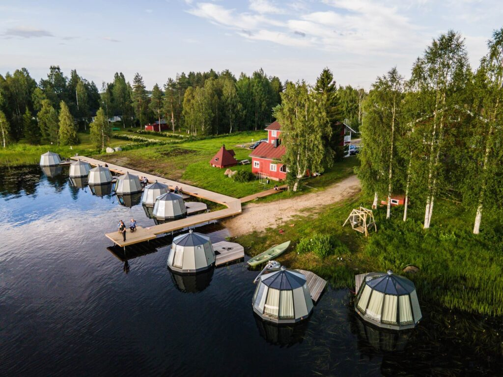 10 AuroraHut glass igloos and a guesthouse in Ranua