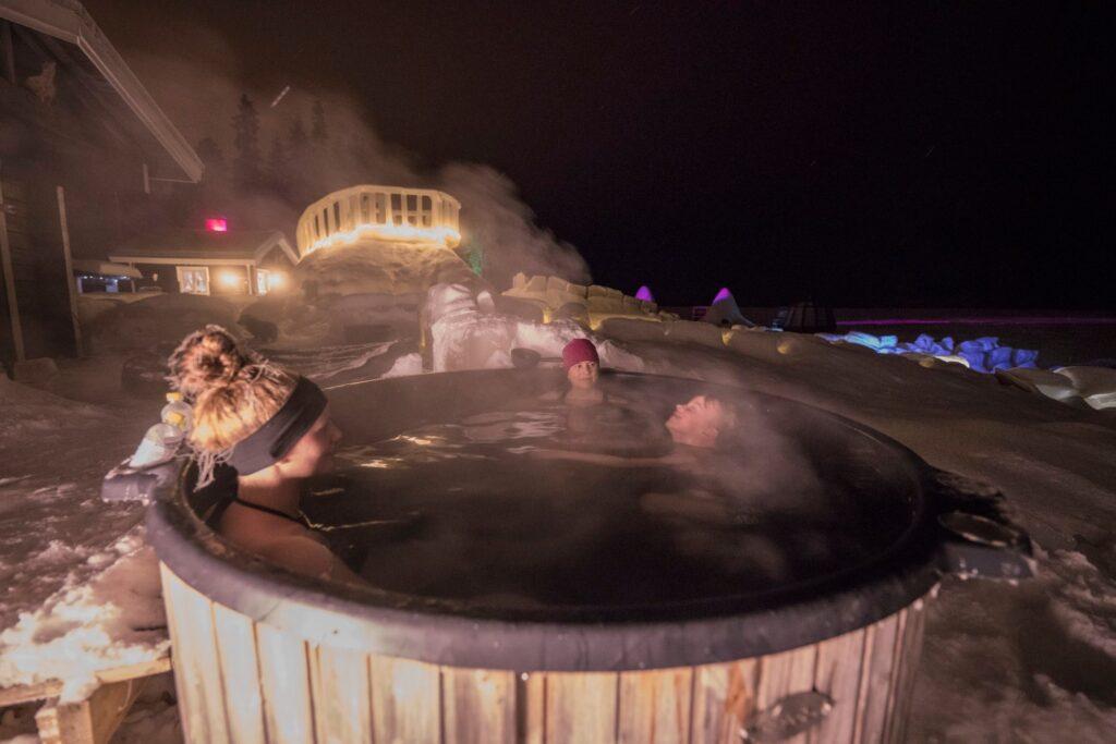 Arctic Wild Icella voit myös kokeilla paljuilua