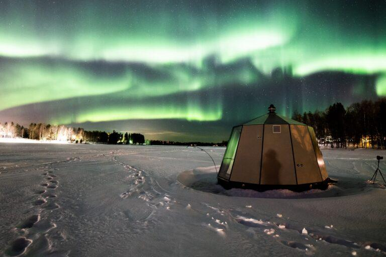 AuroraHut in Finland, ideal glass igloo to see Northern lights in Lapland