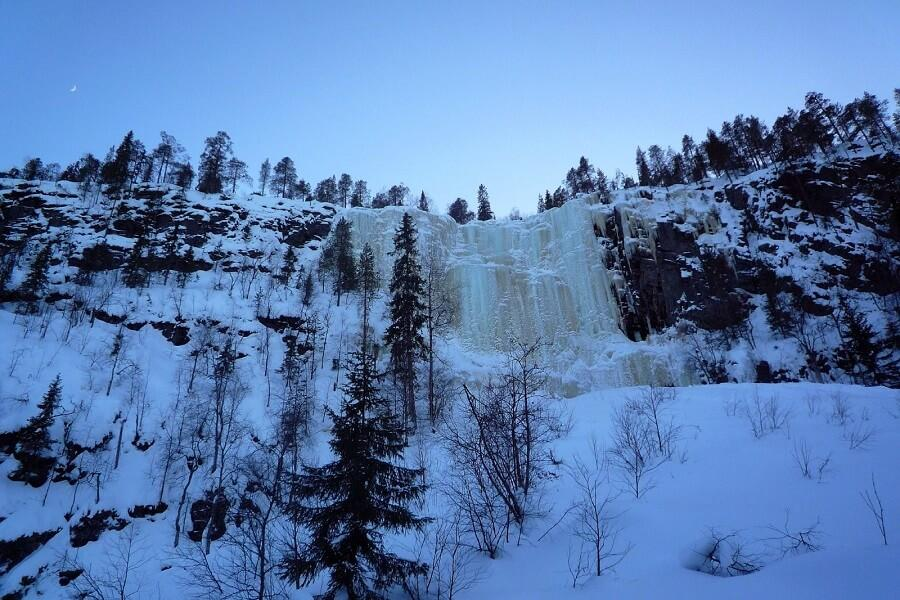 Korouoma Koronjää hiking route ice climbing wall