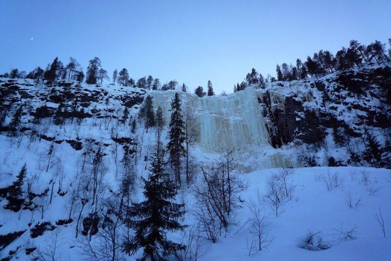 Korouoma Koronjää rengasreitin jääkiipeilyseinämä