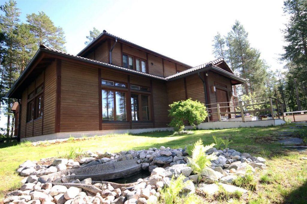 Japan house (Japanitalo) is located in Simojärvi Ranua