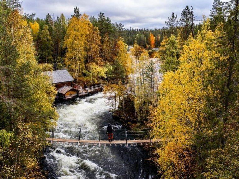 Autumn trekking in Posio Riisitunturi hiking routes in Finnish Lapland