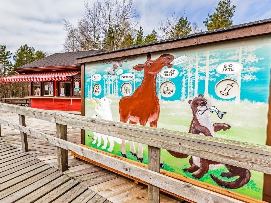 Ranuan eläinpuiston kierroksella on mahdollista nauttia myös taiteesta