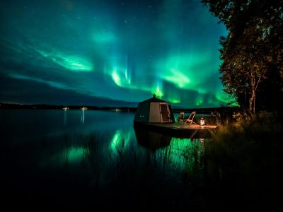AuroraHut and stunning northern lights captured in Lapland in September